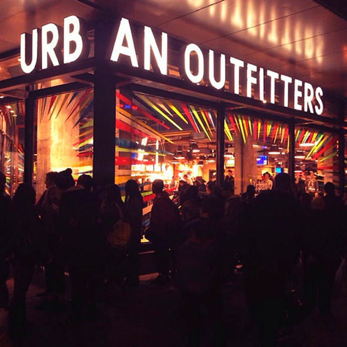 style-by-bru-marta-maria-blog-urban-outfitters-barcelona-new-store