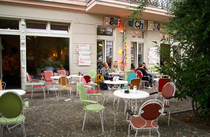 Style-by-bru-guia-fin-de-semana-dos-dias-en-berlin-bar-cafeteria-con-encanto