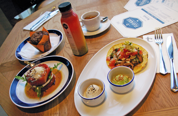style-by-bru-blog-flax-and-kale-restaurante-flexiteriano-barcelona-1