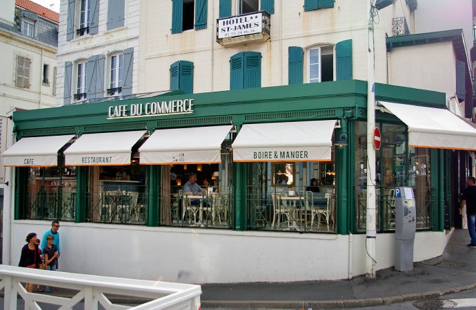 style-by-bru-biarritz-cafe-du-commerce