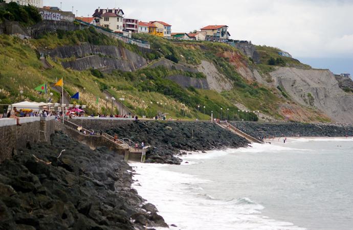 style-by-bru-biarritz-la-plage-de-la-cote-des-basques