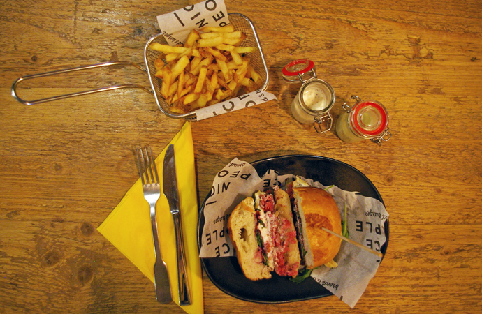 style-by-bru-nice-people-burger-barcelona-4
