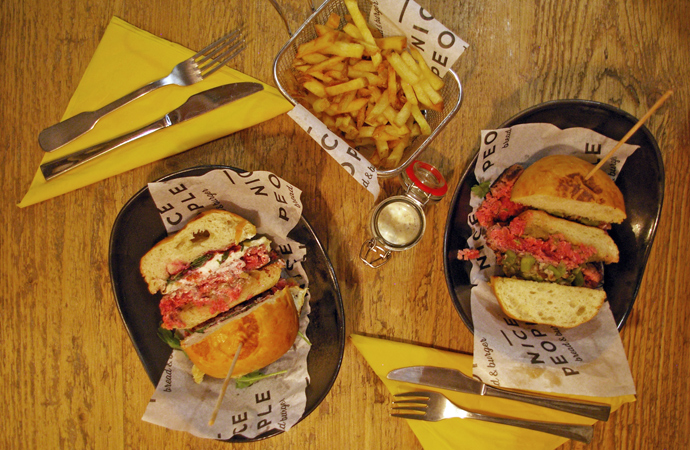 style-by-bru-nice-people-burger-barcelona-5
